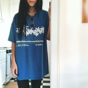 Tops - Vintage Paper Thin Oversized Graphic T Shirt